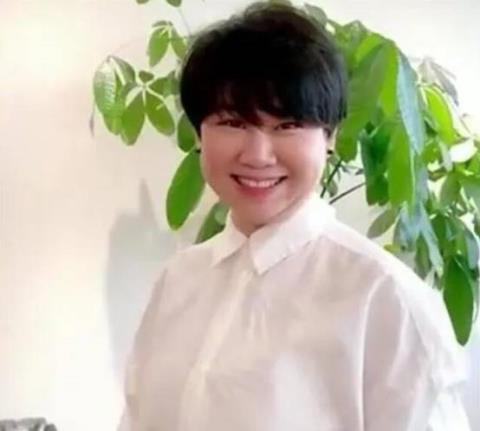 39岁小沈阳成赢家,13岁女儿颜值逆袭,娇妻减肥成功似韩国女星