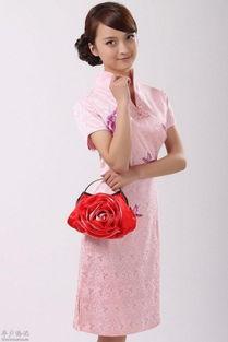 粉色旗袍美女