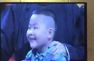 岳云鹏撞脸孩同台