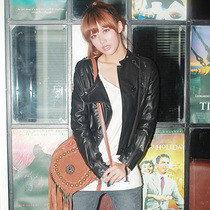 香影2012正品春秋女装蕾丝下摆软款圆领皮衣P1134015原价539元