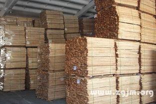 梦见院里有许多大木材