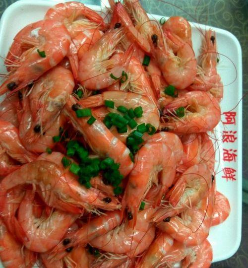 三亚第一市场这是在第一市场一家名为阿浪海鲜店吃的,很不错。