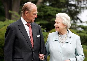 女王伊丽莎白二世和丈夫菲利普亲王