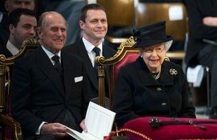 撒切尔夫人葬礼上的伊莉莎白二世和菲利普亲王。)