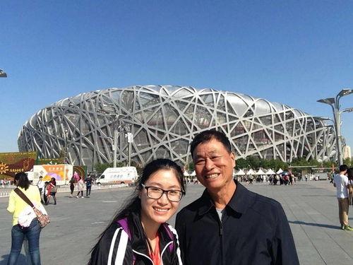 黄文秀生前工作照。