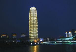 郑州地标大玉米每晚4次变色耗电超千元