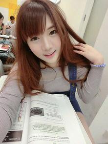 泰国知名网红模特棒糖妹
