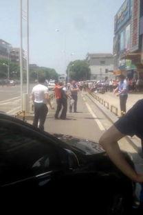 长沙劫匪闯银行打劫 持刀劫持女性,人质被警方成功解救