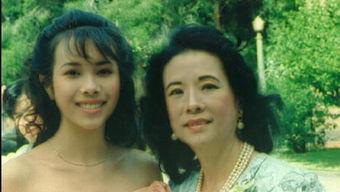 莫文蔚与妈妈的旧照