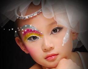 儿童化妆适合什么牌子