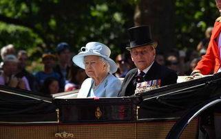 资料图:英女王与丈夫菲利普亲王