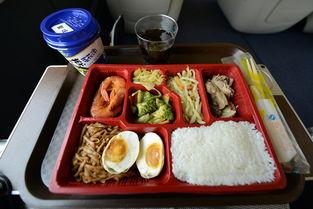 搭乘高铁可以提前上手机订餐了 15元 60元都有