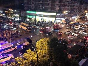 杭州致5死7伤交通肇事案被告人被起诉穿拖鞋驾车