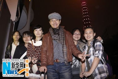李宗翰抵达东京面露疲倦 掀日本粉丝追捧热潮