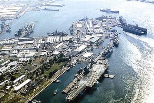 资料图:美军航母停靠菲律宾苏比克湾