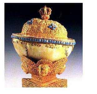一皇帝生前做一错误决定,死后连衣服都没得穿,头骨还被当成酒碗