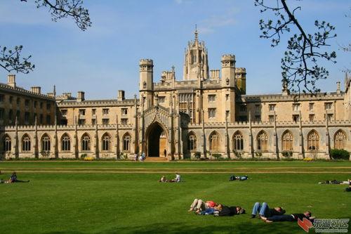 19.剑桥大学(英国):录取率20.8%剑桥这所古老