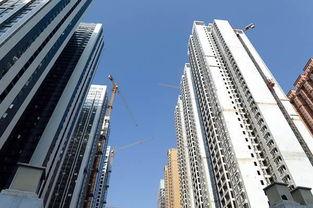 但没有调控的三四线城市房价又涨起来了,5月份70个大中城市中,蚌埠、北海、湛江等三四线城市房价环比领涨全国。