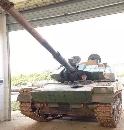 国产新轻型坦克正面照