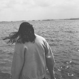 伤感个性情侣背影头像一男一女 我爱你那么深你又知几分