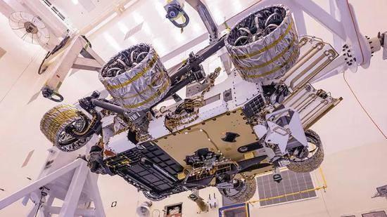 毅力号和它繁重的火星探测任务毅力号火星车的本次发射使用了阿特拉斯v541火箭,作为一个两级火箭,阿特拉斯v541火箭已经承载了11次火星任务的发射,包括2005年火星勘测轨道飞行器、2011年与2013年的火星探测器以及洞察号的发射等,堪称火星任
