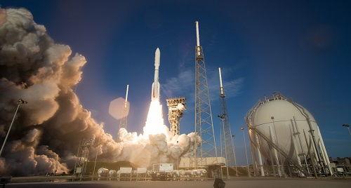 美国发射毅力号火星车将探索火星生命迹象