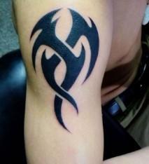 纹身 纹个手臂图腾多少钱