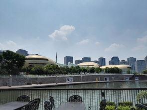 郑州地标建筑一如意湖畔大玉米和艺术中心