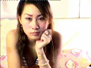 请问这位香港女星叫什么名字
