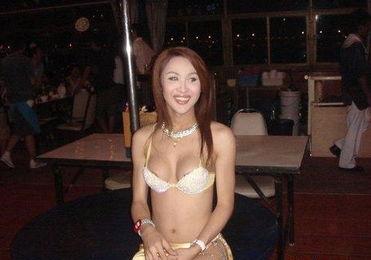 实拍泰国人妖皇后选美现场.
