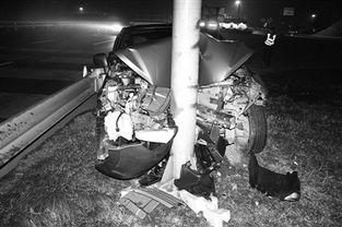 后排乘客未系安全带受伤惨重