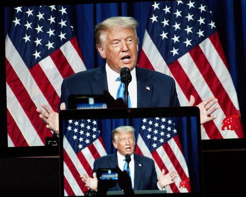 美国共和党全国代表大会美国东部时间24日下午正式提名现任总统特朗普为2020年共和党总统候选人,他将与民主党总统候选人拜登展开角逐.