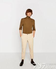 卡其色裤子配什么颜色上衣男,卡其色裤子配什么颜色鞋子男,男士卡其色裤子配什么颜色鞋子