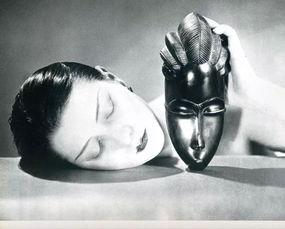《黑与白》,曼·雷,1926年摄影