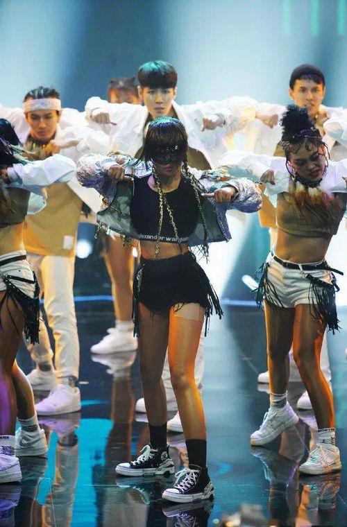全新舞者来头不小,有人跳上热搜,有人教过蔡徐坤跳舞