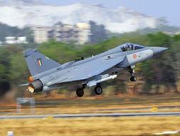 印度国产光辉(lca)轻型战斗机