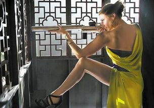 这不,《碟中谍5》的女主丽贝卡