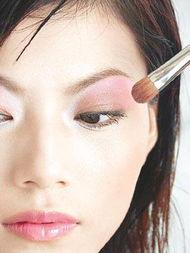 红色眼影怎么化妆