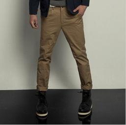 男士风衣搭配什么裤子