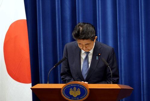 8月28日,日本首相安倍晋三在东京出席记者.(