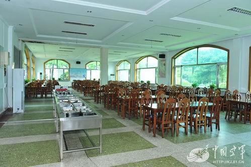 神吐槽:重庆某机关食堂将肉价18.5元改为185元:私分公款为何变得如此容易