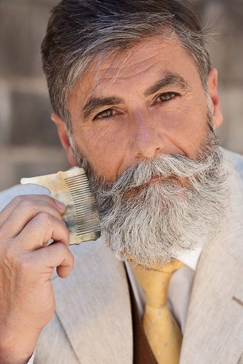 60岁老头竟然帅成这样靠一把胡子迷倒众生