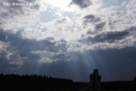 湛蓝的天空射下光柱,很美-绝美静谧风光 索尼a55初秋坝上完美体验