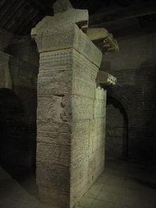 登封 天地之中 历史建筑群8处11项之一太室阙