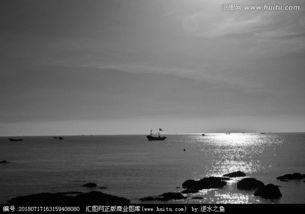 关于清晨海面的诗句