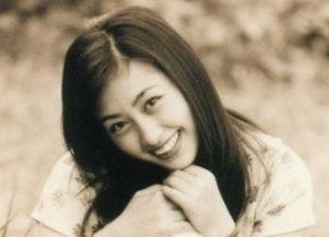 她5岁登台,曾与张铁林同居多年,今37岁嫁60岁老戏骨很幸福