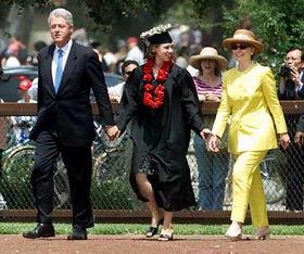 克林顿、希拉里与女儿切尔西.