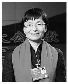 全国人大代表,中国兽药协会副会长、华南农业大学教授、广东省肇庆大华农生物药品有限公司董事长。