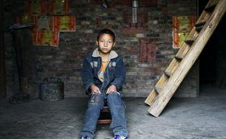 恒源国际报道 两岁父亲去世, 九岁母亲改嫁他人, 现在他 一个人, 一个家