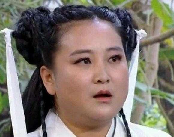 36岁的贾玲近照曝光,胖玲已成过去式,网友瘦下来真漂亮